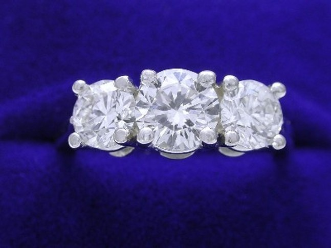 Three-Stone-Diamond-Rings